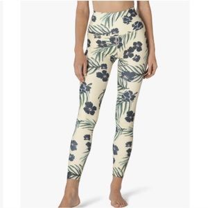NWOT Beyond Yoga Olympus Legging in Floral Sunrise
